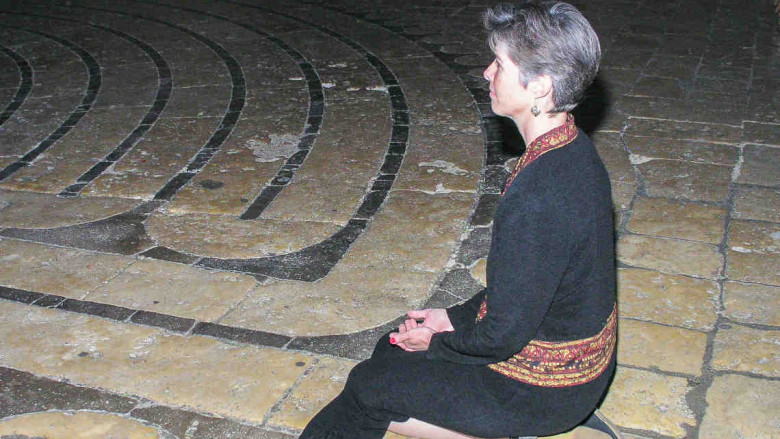 Kneeling at the threshold of the labyrinth